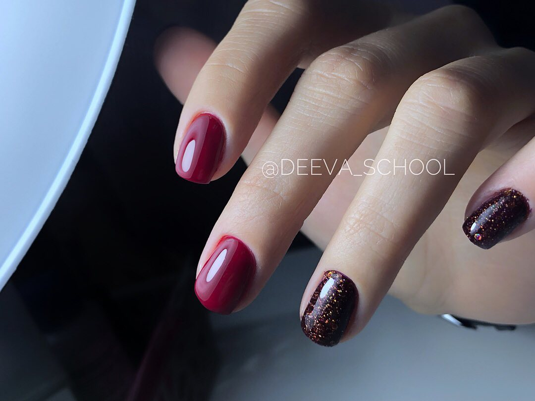 0073 Гель-лак с липким слоем 11мл Cosmake Фиолетово-красный с блёстками